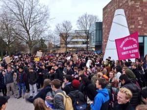 Over 1000 students gather at Warwick for #copsoffcampus protest