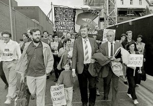 Dave Nellist and Jeremy Corbyn marching